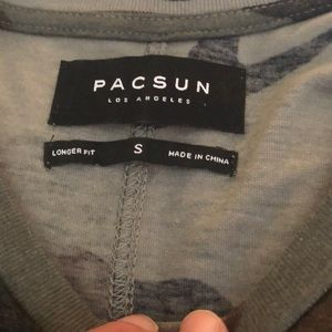 PacSun Shirts - Men's PacSun longer sit cameo t-Shirt